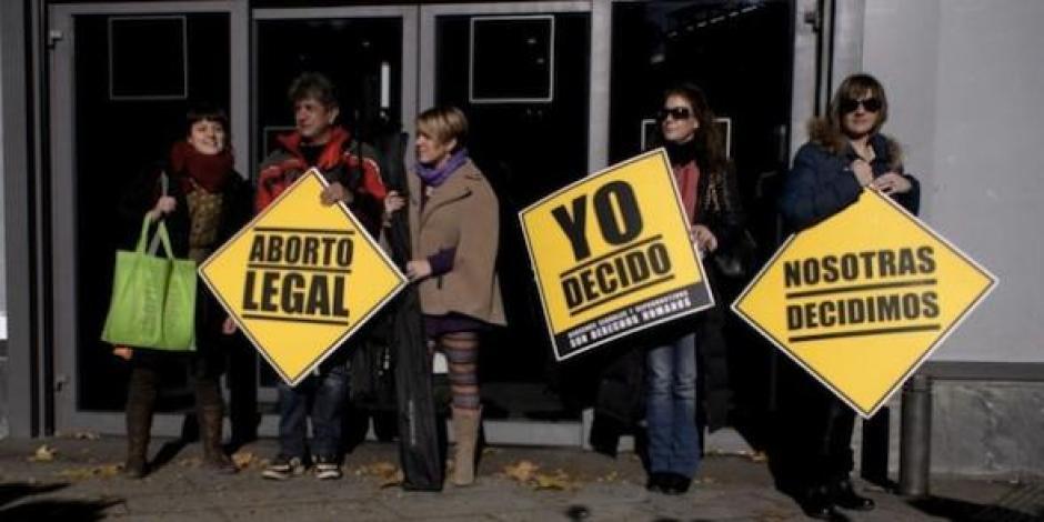 « Les Espagnoles doivent pouvoir décider : NON à la remise en cause de l'IVG » (PCF)